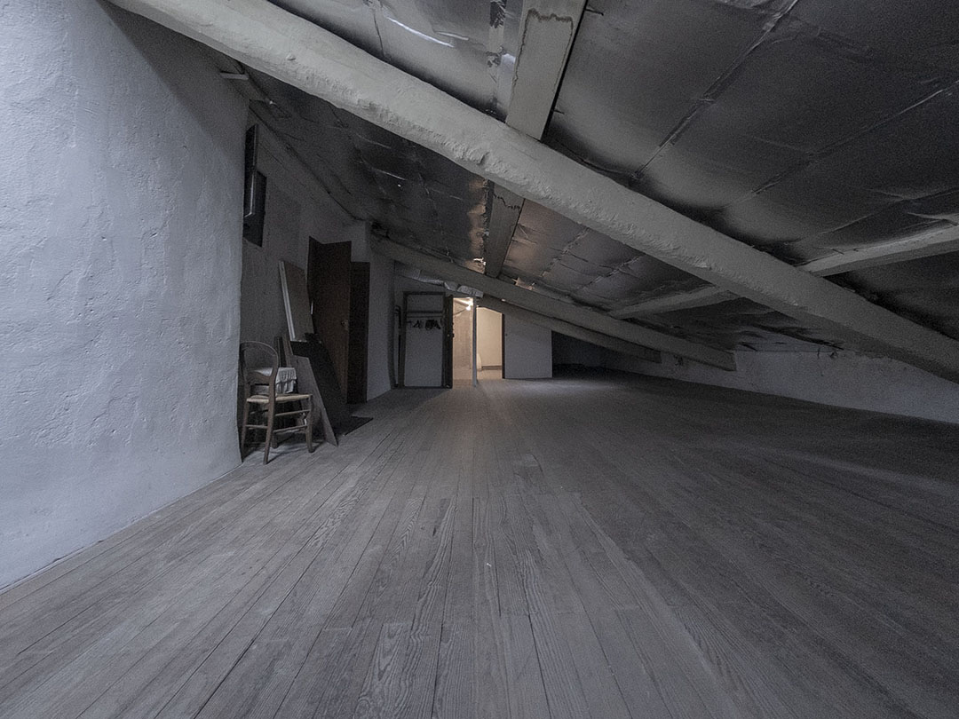 residence midi the attic
